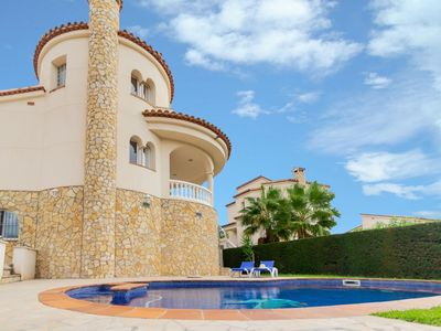 Photo for Villa with private swimming pool 30 minuts far from Cambrils