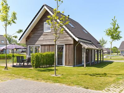 Photo for 6-person residence in the holiday park Landal Strand Resort Nieuwvliet-Bad - on the coast/the beach