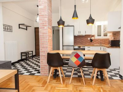 Photo for Charming Mid-Century Modern Apt. in City Center
