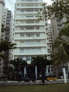 Photo for Spacious apartment overlooking the sea, the beach promenade, Pitangueiras, Brazil