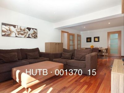 Photo for Hércules Grande apartment in Eixample Dreta with WiFi, air conditioning, balcony & lift.