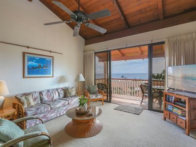 Poipu top floor unit with coastline views all the way to Niihau!