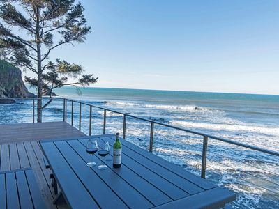 Photo for 6 BDRM OCEAN FRONT WITH AMAZING VIEWS, HOT TUB, WIFI Sleeps 16, beach access