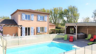 Photo for Mod cons house with a private pool close to Carcassonne