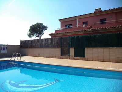 Photo for Superb modern house, fully equipped with air conditioning and pool at l'Escala