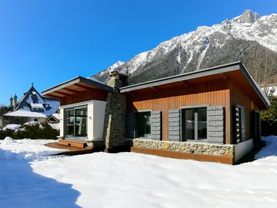 Photo for Chalet facing Mont Blanc, quiet and 3 minutes walk from the center!