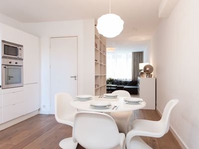 Photo for Luxurious two bedroom apartment, for up to four guests, situated on a charming avenue in the heart o
