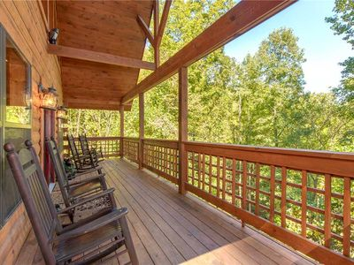 Photo for Stonebrook Lodge, 4 Bedrooms, Sleeps 16, Home Theater, Hot Tub, Private