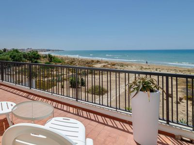 Photo for Amelia, charming villa directly on the sandy beach for 8 people and sea view