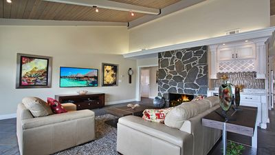 New! Luxurious Villa for long term rentals! On the harbor w/ boat dock!