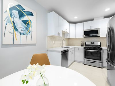 Photo for Trendy & Modern 1 Bed/1 Bath Apartment Alhambra