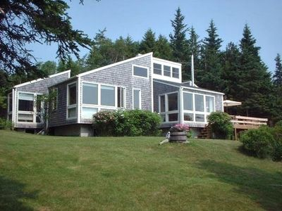 Photo for Contemporary Oceanfront Cottage