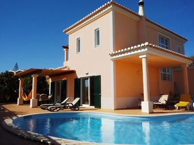 Stunning Villa with Private Pool, 10 min walk to beach