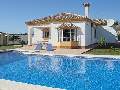 Photo for 3 Bed Villa with aircon 3Km to the beach - 12m Swimming Pool + Wifi free