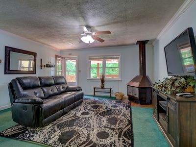 Photo for The Lansing Cottage is one mile from the New River G orge Bridge.