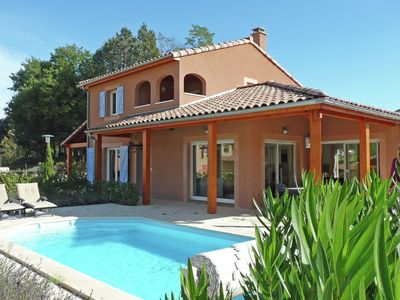 Photo for Modern luxury villa with pool in the picturesque village of Vallon Pont d 'Arc