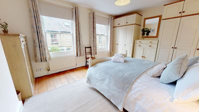 Photo for VBAR Abbey Road Victorian cottage