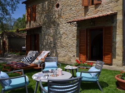 Photo for Stonehouse with private jacuzzi, comfort and atmosphere at Castiglion Fibocchi, Tuscany, 6 people