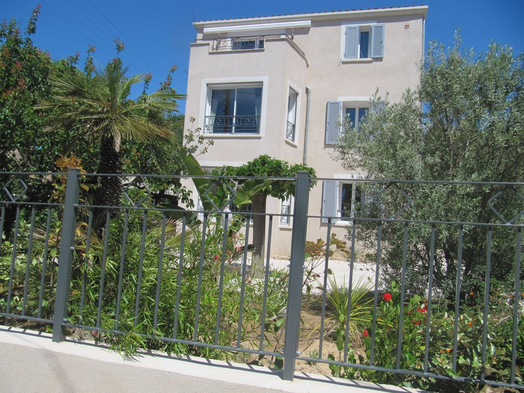 Sanary sur mer locations entre particuliers - Location garage sanary sur mer ...