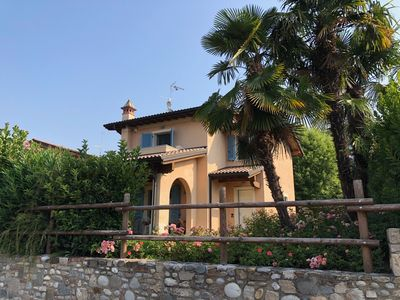Photo for Desenzano, detached villa with swimming pool suitable for 2 families.