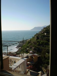 Photo for Charming stone cottage with sea views in the village of Manarola