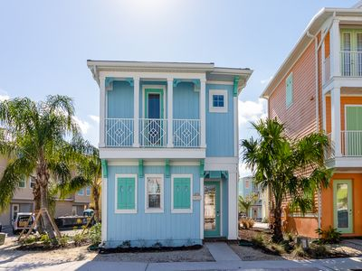 Photo for Beautiful Margaritaville Cottage! Lagoon pool with poolside Tiki Bar and natural sand beach!