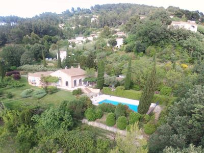 Photo for Close to Bandol and Castellet charming sea view and private pool