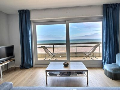 Photo for Beachfront apartment on the 3rd floor, 2 bedrooms