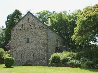 Photo for THE BARN, pet friendly, with open fire in Yelverton, Ref 975873