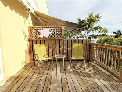 Photo for Beautiful 2 bedroom 2 bath half duplex in KCB with dockage and Cabana Club!