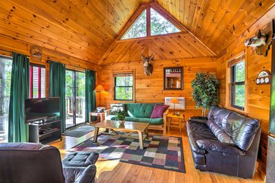 Escape to the rolling hills of Hamden to stay at this vacation rental cabin.