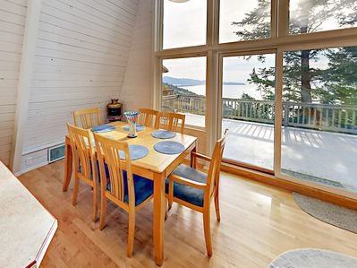 Dining Area - Serve home-cooked meals at the 6-seat dining table.