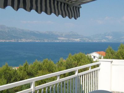 Photo for Two bedroom apartment with terrace and sea view Slatine, Čiovo (A-11799-e)
