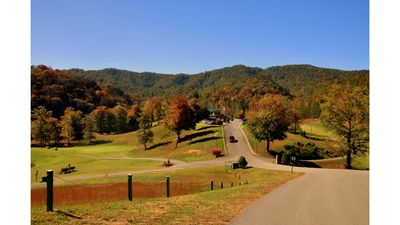 Laurel Valley golf in the Fall