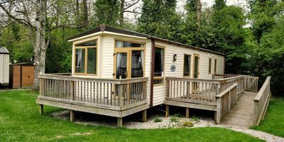 Photo for Cosy, pet and family friendly, 6-berth caravan in North Cornwall