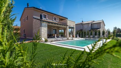 Photo for Stylish villa with private pool in Central Istria