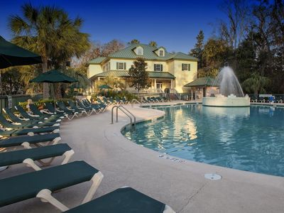 Photo for RESORT CONDO-July 27-Aug 3-$1,160 TOTAL-Jetted tub-Walk to Coligny Beach & Shops