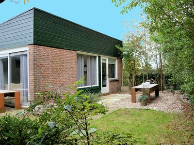 Photo for Simple and laid-back bungalow on the edge of cozy and child-friendly park