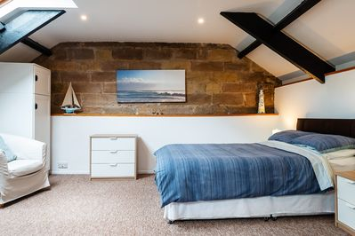 CROSS HOUSE APARTMENT Dog Friendly Barn Conversion in the Heart of  Warkworth - Warkworth