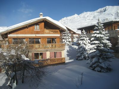 Photo for Appartement dans Chalet - ALPE D'HUEZ