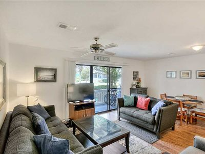 Photo for Beachwood Villas 5E - Heated Community Pool, Tennis Courts, Steps to the Beach!