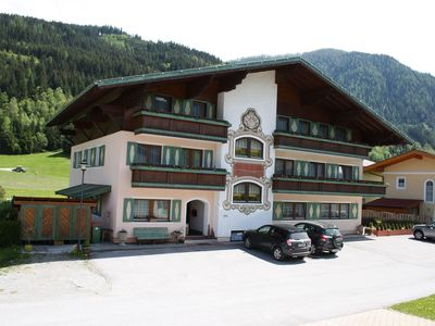 Photo for Cozy Apartment with Shared Pool and Sauna in Flachau