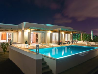 Photo for Cosy Villa With Private Pool And Ocean Views
