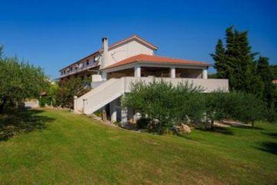 Photo for Apartments and rooms Draga, (3018), Jelsa, island of Hvar, Croatia