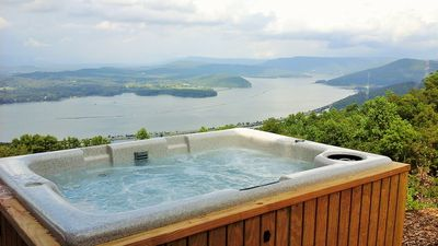 Photo for panoramic views across  horizon 25 miles from Chattanooga, gated, awesome view