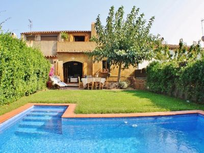 Photo for Elegant house with private pool in the center of Begur