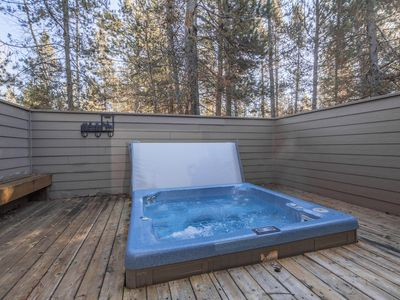 Photo for Pet Friendly, Hot Tub, Fireplace, Bikes, 10 Unlimited SHARC, New TV's 2019!