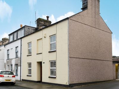 Photo for 4 bedroom accommodation in Porthmadog