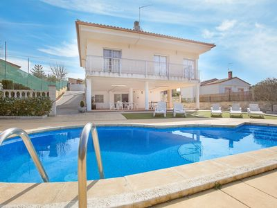 Photo for 5 bedrooms Villa with private swimming pool