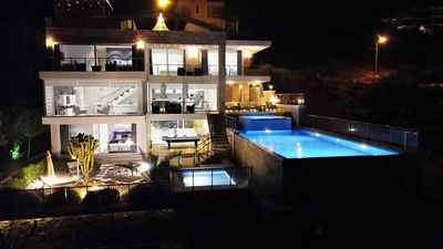 Photo for Luxury Detached Villa With *Heated Infinity Pool, Jacuzzi and shallow pool
